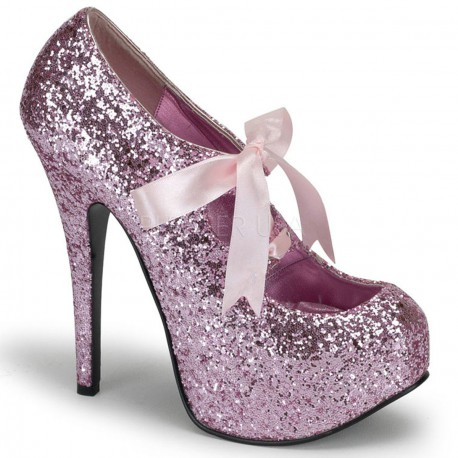Zapatos de plataforma cubiertos de purpurina