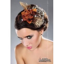 Mini sombrero en colores salvajes con flores y plumas
